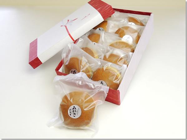 三笠(どらやき)の商品パッケージ写真。和歌山県新宮市・那智勝浦町にある和菓子の伝統を守る店 珍重庵  新宮本店・丹鶴店・勝浦店にて販売しております。