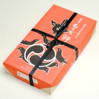 熊野名物 熊野もうで餅の商品写真。和歌山県新宮市熊野速玉大社・那智勝浦町那智の滝/那智熊野大社・田辺市本宮町熊野本宮大社の3カ所限定で販売しております。