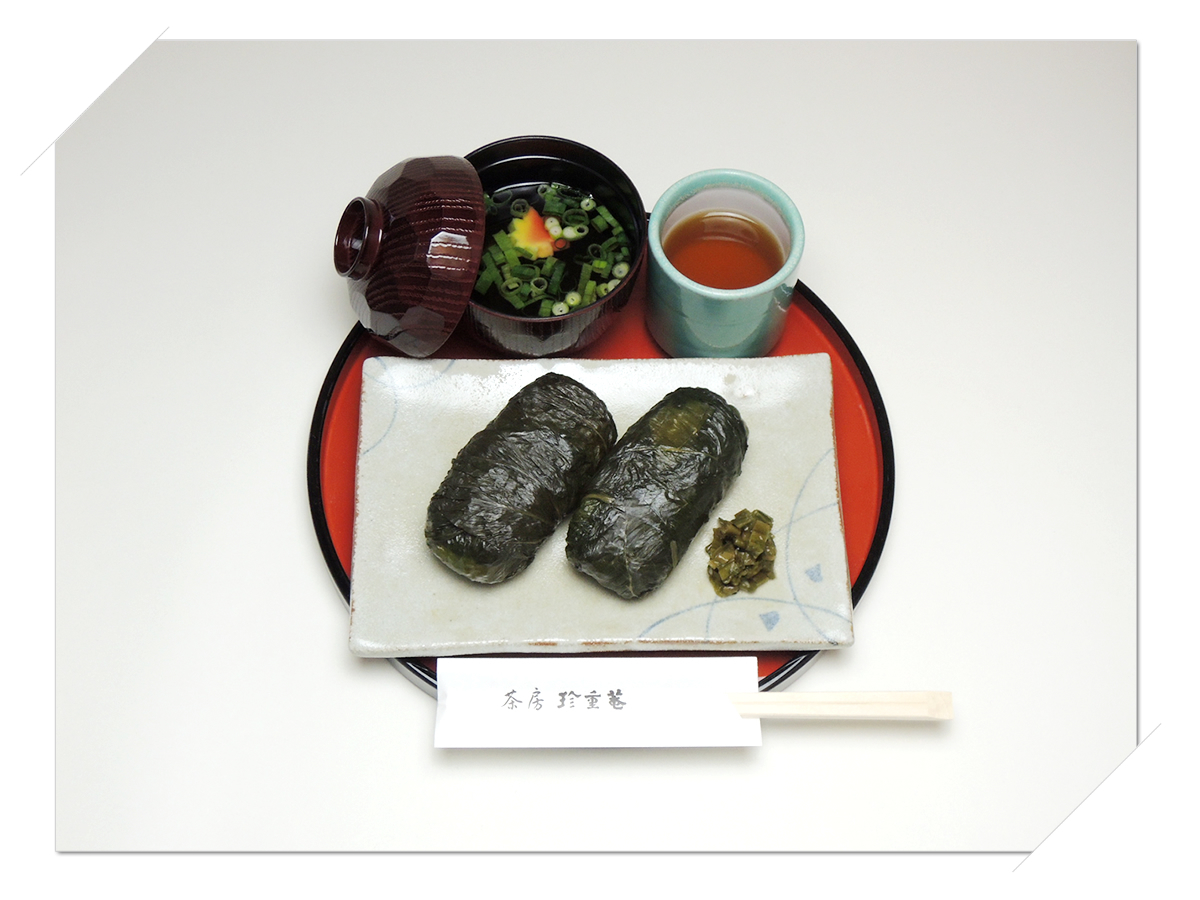 熊野本宮大社参道脇にある甘味処・お食事処「茶房珍重庵 本宮店」メニュー写真 めはり寿司